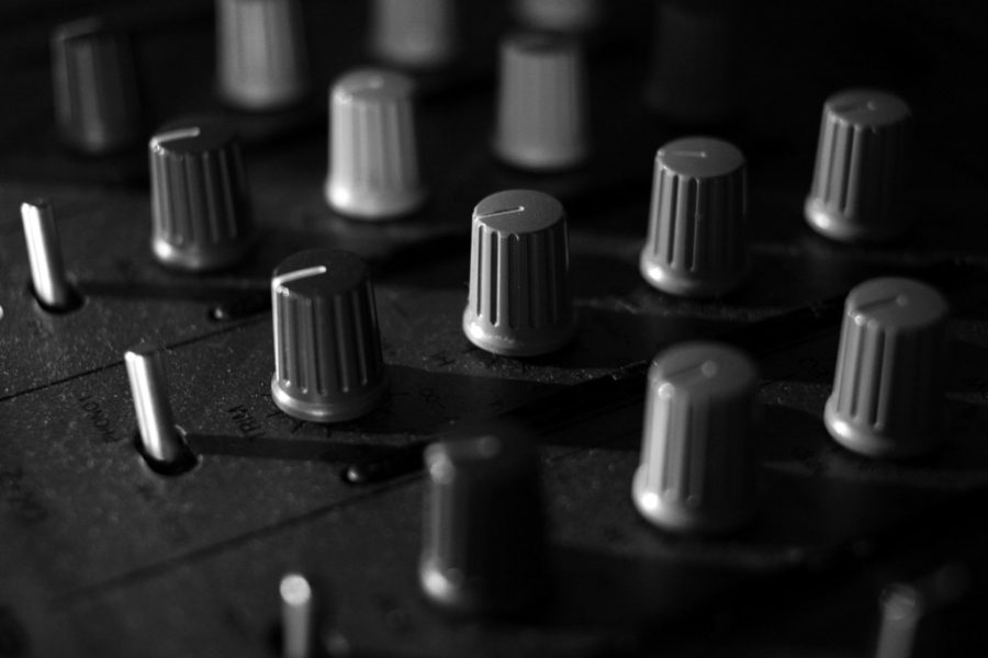 90% of DJs Never Use All Nobs On Mixer